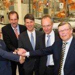 BMW blij met 'VDL-familie': alle overloop Mini-productie gaat naar Born