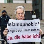 Hoelang schaart Duitsland zich nog achter het vriendelijke gezicht van Angela Merkel