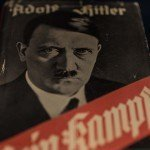 Business met Hitler: wie verdient geld aan Mein Kampf?