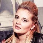 Zangeres Laura van den Elzen verovert countryharten in Duitsland