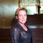 Om echt samen te werken met Duitsland hebben we meer lef nodig, vindt Ank Bijleveld