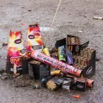 Vuurwerk kopen in Duitsland is verboden, toch knijpt de politie een oogje dicht